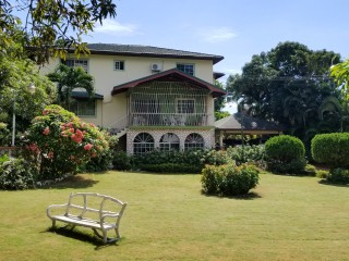 5 bed 4.5 bath House For Sale in Golden Acres Red Hills, Kingston / St. Andrew, Jamaica