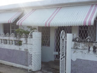 5 East Queens Park, St. Catherine, Jamaica - House for Sale