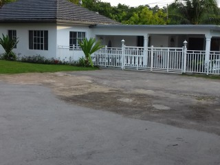 1 bed 1 bath Flat For Rent in Anchovy, St. James, Jamaica