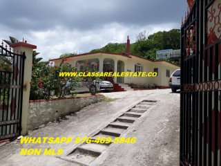 2 bed 1 bath Apartment For Rent in PORTO BELLO, St. James, Jamaica
