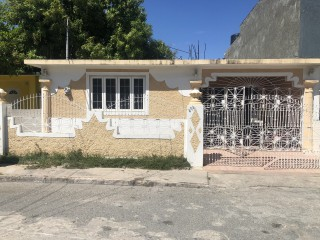 3 bed 2 bath House For Sale in 17th Avenue, St. Catherine, Jamaica