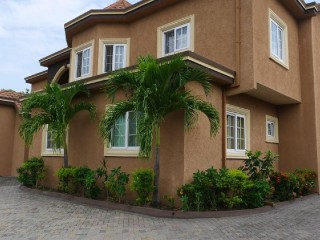Madison Drive, Kingston / St. Andrew, Jamaica - Apartment for Lease/rental