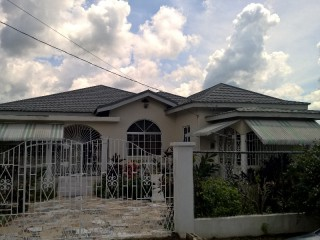 4 bed 2 bath House For Sale in Coates Pen, Clarendon, Jamaica