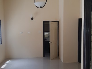 1 bed 1 bath Apartment For Rent in Belveder Red Hills, Kingston / St. Andrew, Jamaica