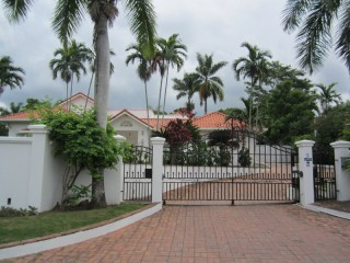 4 bed 4.5 bath House For Sale in Kingston 8, Kingston / St. Andrew, Jamaica