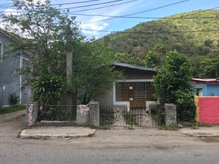 House For Sale in Mona  Papine Estates, Kingston / St. Andrew, Jamaica