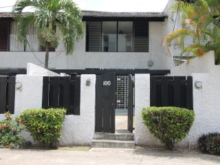 3 bed 2 bath Townhouse For Rent in Constant Spring Shortwood, Kingston / St. Andrew, Jamaica