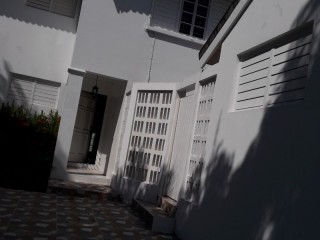 KINGSTON 8, Kingston / St. Andrew, Jamaica - Townhouse for Lease/rental