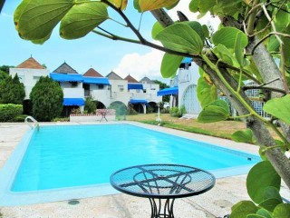 2 bed 2.5 bath Townhouse For Rent in Golden Triangle, Kingston / St. Andrew, Jamaica