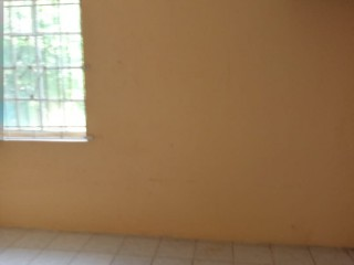 1 bed 1 bath House For Rent in Linstead, St. Catherine, Jamaica