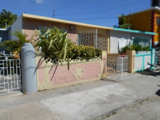 4 bed 2 bath House For Sale in Westchester Portmore, St. Catherine, Jamaica