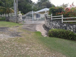 4 bed 2 bath House For Sale in Exchange on Border of St Ann and St Mary, St. Ann, Jamaica