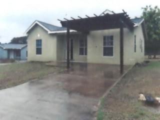 3 bed 2 bath House For Sale in Bryans Pen, Clarendon, Jamaica