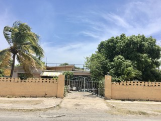 3 bed 2 bath House For Sale in Norman Gardens, Kingston / St. Andrew, Jamaica