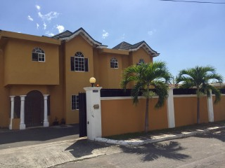 3 bed 3.5 bath Townhouse For Rent in Kingston 5, Kingston / St. Andrew, Jamaica