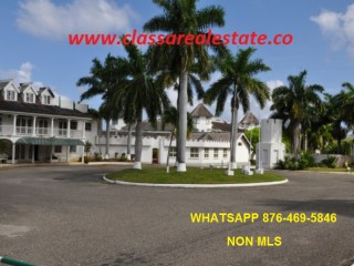 1 bed 1 bath Apartment For Sale in SEA CASTLE, St. James, Jamaica