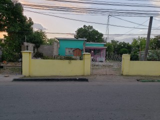 5 bed 2 bath House For Sale in Jobs Lane, St. Catherine, Jamaica