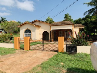 2 bed 1 bath House For Rent in Green Acres, St. Catherine, Jamaica
