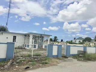 2 bed 1 bath House For Sale in Innwood Village, St. Catherine, Jamaica