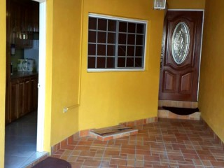 Close to Emancipation Park, Kingston / St. Andrew, Jamaica - Townhouse for Sale