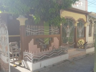 3 bed 1 bath House For Sale in Seaview Gardens, Kingston / St. Andrew, Jamaica
