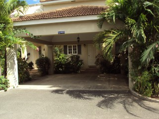 4 bed 4.5 bath Townhouse For Rent in Kingston 6, Kingston / St. Andrew, Jamaica