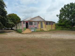 Commercial building For Sale in Maypen, Clarendon, Jamaica