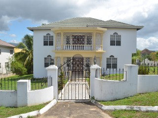 6 bed 4 bath House For Sale in Ridgeview Crescent  Santa Cruz, St. Elizabeth, Jamaica