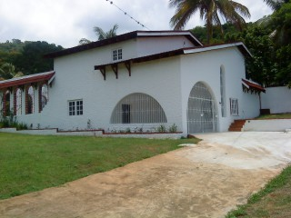 Upper Mannings Hill Road, Kingston / St. Andrew, Jamaica - House for Sale