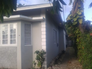 3 bed 2 bath House For Sale in East Kingshouse Rd, Kingston / St. Andrew, Jamaica