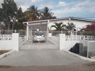 6 bed 4 bath House For Sale in Twickenham Gardens, St. Catherine, Jamaica