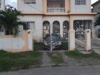 7 bed 4 bath House For Sale in Sydenham Gardens, St. Catherine, Jamaica