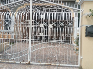 3 bed 2 bath House For Rent in Ensome  City, St. Catherine, Jamaica