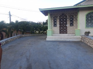 3 bed 3.5 bath House For Sale in Belvedere, Kingston / St. Andrew, Jamaica