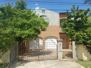 5 bed 3 bath House For Sale in Spanish Town, St. Catherine, Jamaica