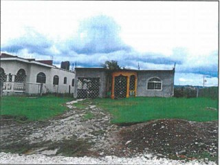 3 bed 3 bath House For Sale in Hartwell Gardens May Pen, Clarendon, Jamaica
