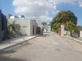 3 bed 2 bath Townhouse For Rent in Kings Mews, Kingston / St. Andrew, Jamaica