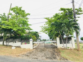 4 bed 3 bath House For Sale in Kingston 8, Kingston / St. Andrew, Jamaica