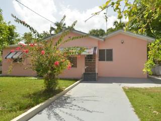 4 bed 2 bath House For Sale in Santa Cruz, St. Elizabeth, Jamaica