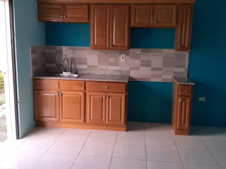 1 bed 1 bath Apartment For Rent in St Johns Road, St. Catherine, Jamaica