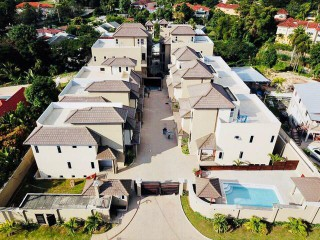 Dilsbury Avenue Kingston 6, Kingston / St. Andrew, Jamaica - Townhouse for Sale