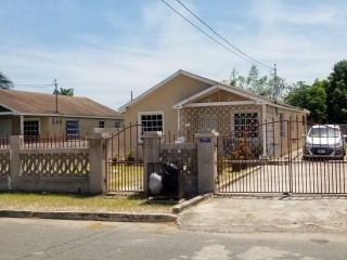 2 bed 2 bath House For Sale in Magil Palm, St. Catherine, Jamaica