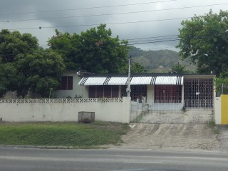 4 bed 3 bath House For Sale in Kingston 6, Kingston / St. Andrew, Jamaica