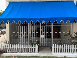1 bed 1 bath Apartment For Rent in Half Way Tree, Kingston / St. Andrew, Jamaica