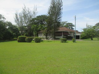 4 bed 2 bath House For Sale in Trenton, Clarendon, Jamaica