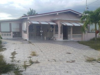 Four Path, Clarendon, Jamaica - House for Sale