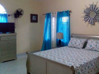 1 bed 1.5 bath Apartment For Rent in Red Hills, Kingston / St. Andrew, Jamaica