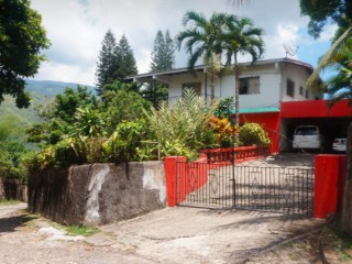 6 bed 4 bath House For Sale in GOLDEN SPRING, Kingston / St. Andrew, Jamaica