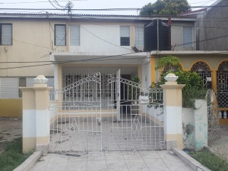 2 bed 1 bath Townhouse For Sale in Gregory Park Portmore, St. Catherine, Jamaica