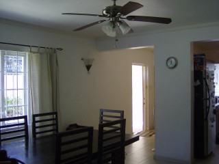 Hopefield Ave, Kingston / St. Andrew, Jamaica - Townhouse for Lease/rental